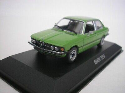 Minichamps//maxichamps 940025474 bmw 323i 1975 verde 1:43 nuevo//en el embalaje original