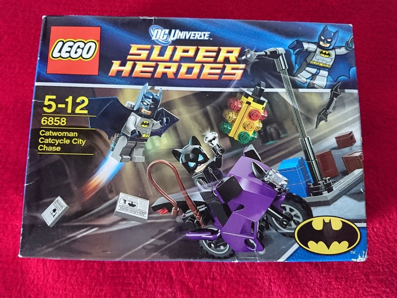 LEGO Super Heroes  CATWOMAN & BATMAN CITY CHASE  6858 Rare Factory Sealed Box