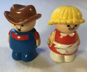 Lot-of-2-Shelcore-Little-People-Figures-Vintage-Toys-Playtime-Fun
