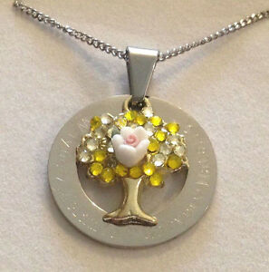 Personalised Engraved family tree pendant necklace gift for mum choose names s