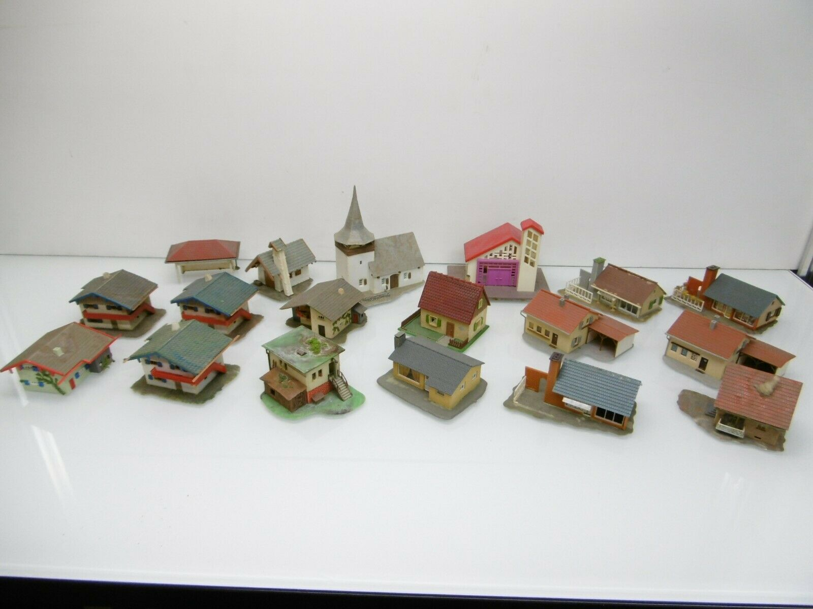 Faller KIBRI 18 Piece Bundle Village from retreat with missing parts