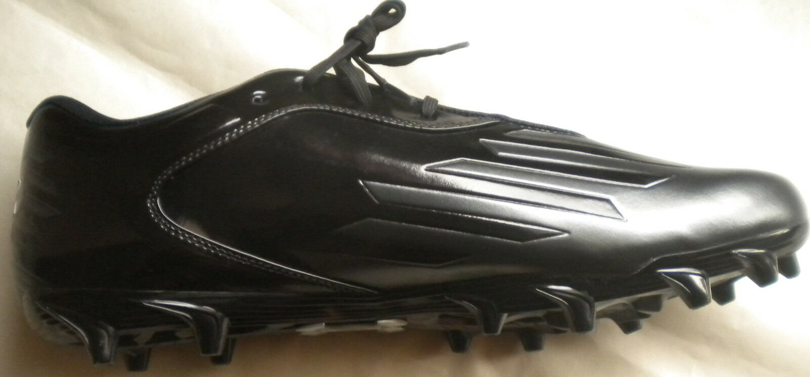 NEW UNDER D ARMOUR MEN DIABLO LOW D UNDER BLACK FOOTBALL CLEATS SHOES 1226964-001 16 ef7f39