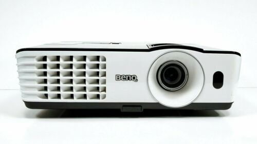 1071 lamp hours BENQ MX660P DLP Projector 3000 Lumens 3D HDMI