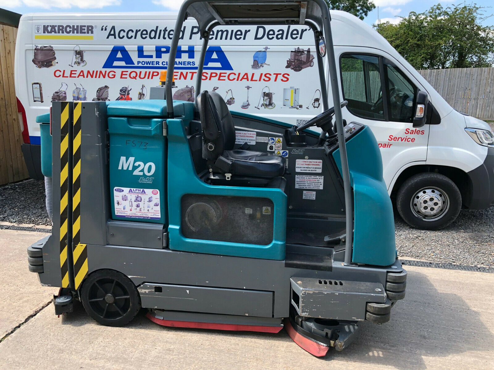 1 Week Hire of Industrial Ride-on LPG Floor Scrubber Drier - Tennant M20