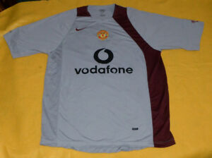 79244a94246 Image is loading Manchester-United-Nike-Total-90-Training-Jersey-Vodafone-