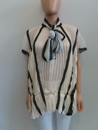 Sacai Ivory/Black Lace Pleated Front Button Short