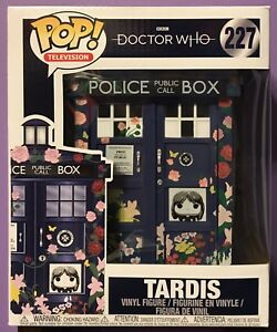 "Funko Doctor Who POP Vinyl Clara/'s Memorial TARDIS 6/"" Figure #227"