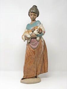 seltene-grosse-Lladro-Figur-Maedchen-mit-Hund-Spanien-DAISA-1996-Hoehe-ca-43-cm