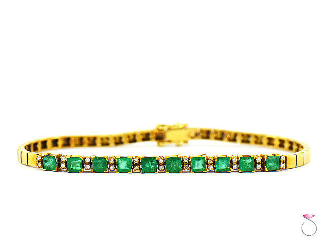 Colombia Emerald & Diamond Tennis Bracelet, in 18K Yellow gold. Stunning