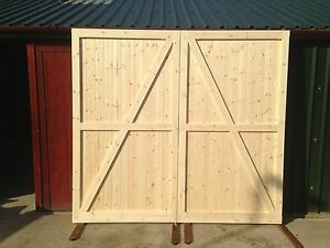 Side Hung Hinged Timber Wooden Garage Door Gates Barn