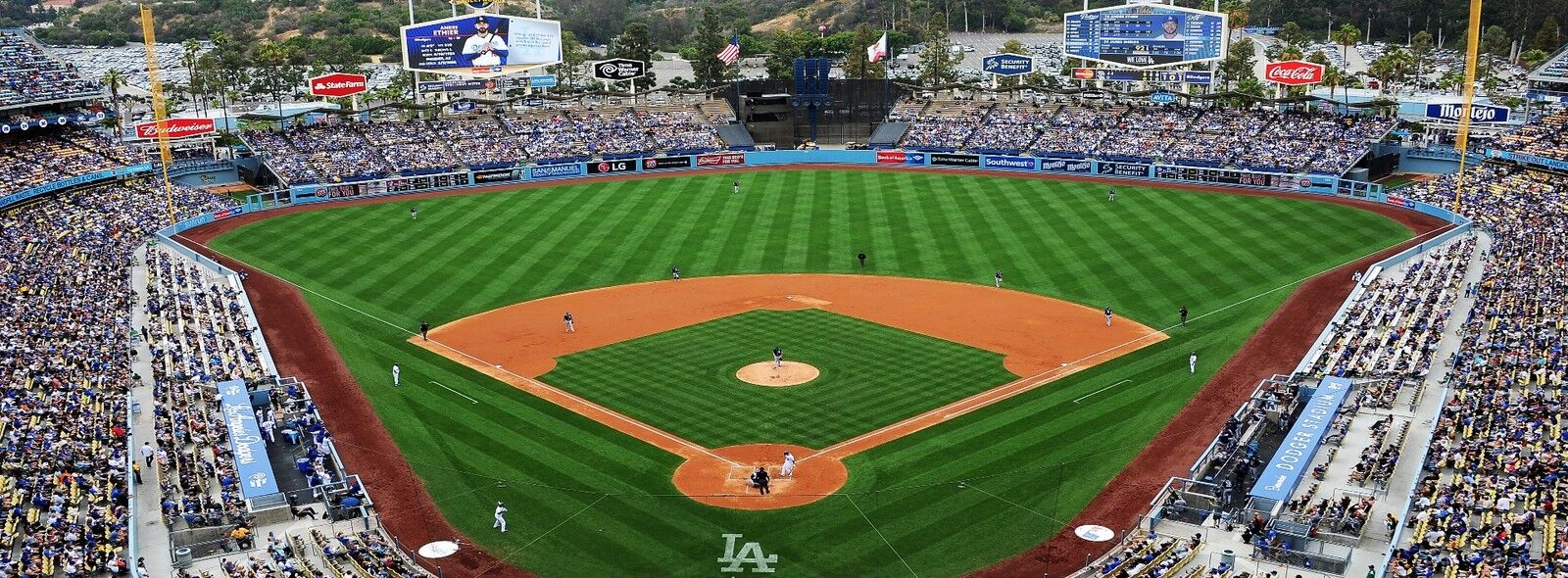 Milwaukee Brewers at Los Angeles Dodgers Tickets (Friday Night Fireworks)