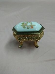RARE Holly Hobbie footed trinket musical jewelry box made in japan