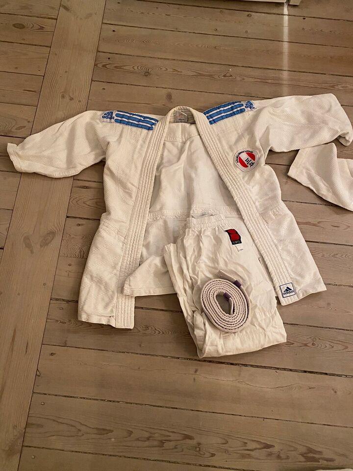 Judoudstyr, Judo dragt, Essimo