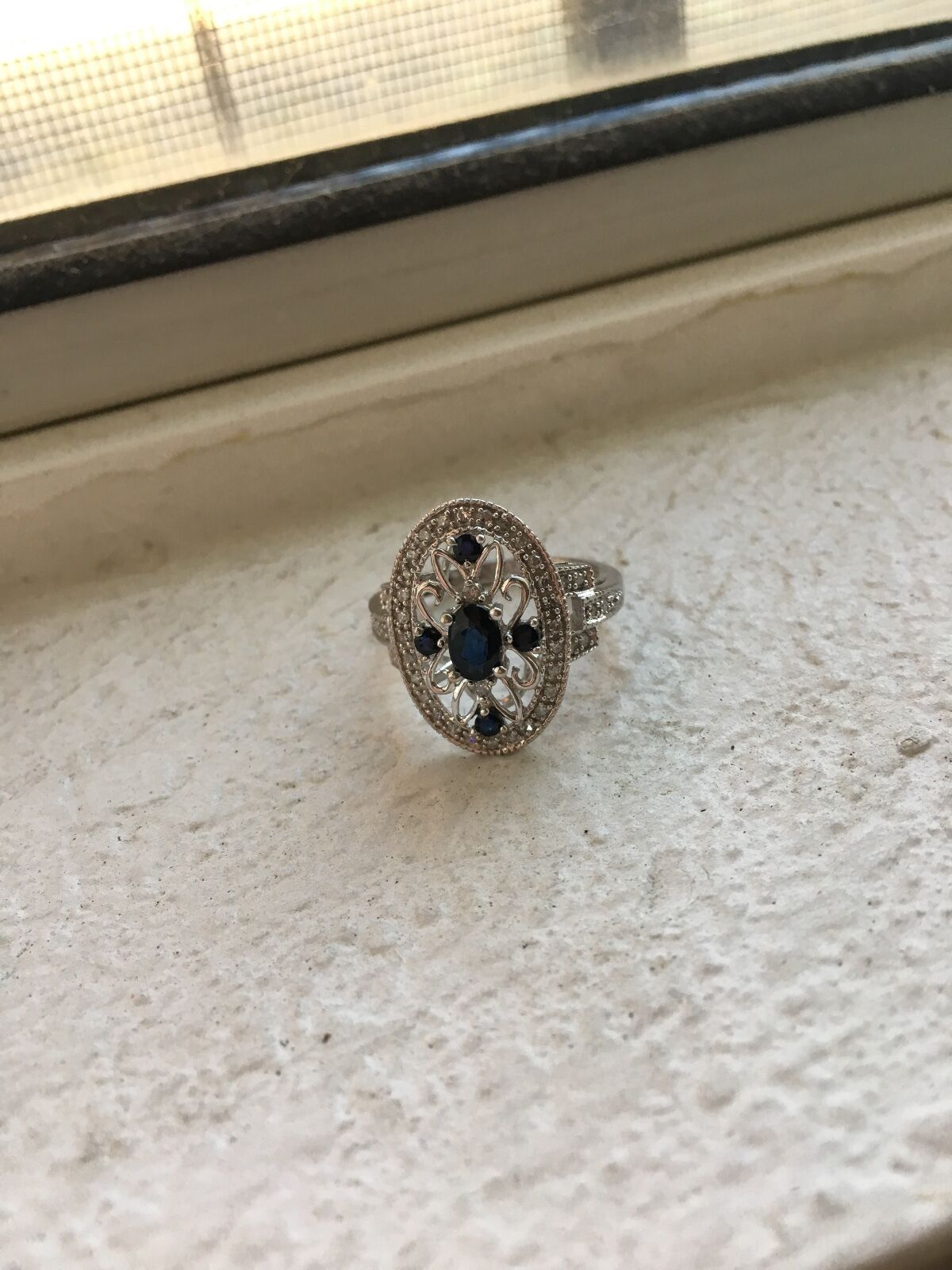 Vintage 14k white gold, diamond, bluee sapphire size 7 ring