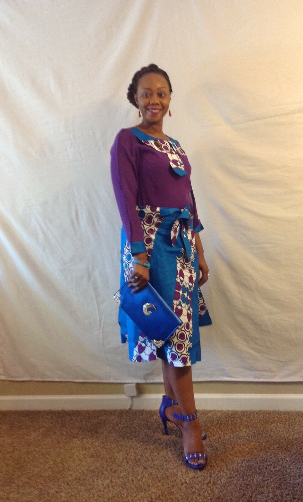 African woman 2 pcs ensemble open long sleeves and a tie  size 08.