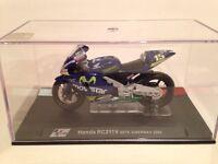 Honda Rc211v Motogp 2005 - Sete Gibernau 1/24 Scale Ixo/altaya In Case