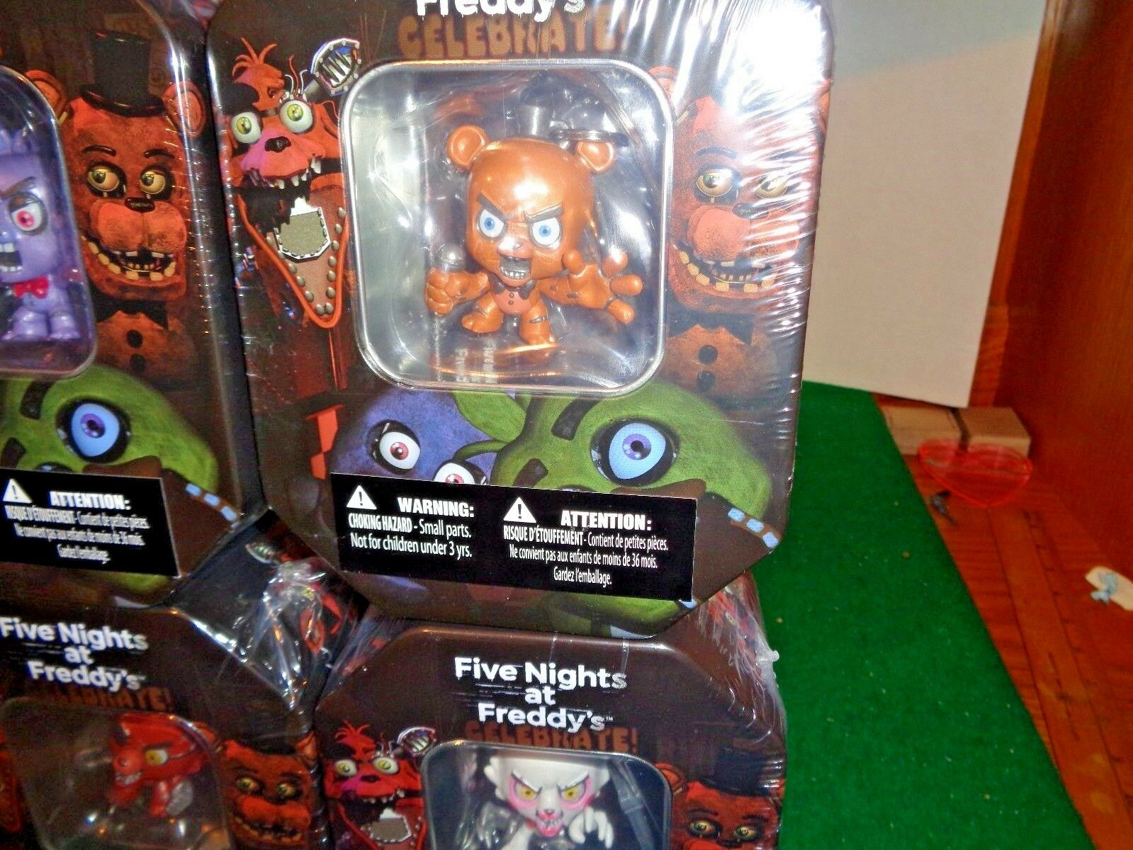 2016 Five Nights at Freddy's Exclusive Holidays Collectible Tin Set Set Set of all 4 effb92