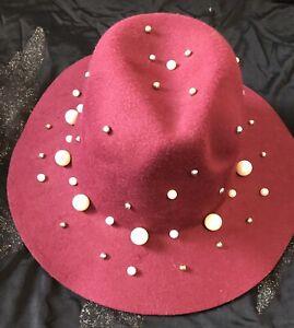 Chapeau Femme Avec Des Perles Bordeaux Taille 57