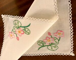 VINTAGE-HAND-EMBROIDERED-WHITE-LINEN-TABLE-CENTRE-TRAY-CLOTH-18X12-Inches