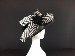 PIP  HACKETT Debenhams Black Hat with Black/White Feather Trim  (37)