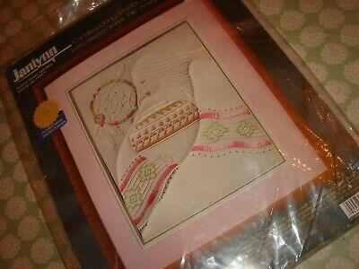 "Janlynn Embroidery Kit 3/""X4/"" Set of 3-Hummingbirds-Stitched In Floss"