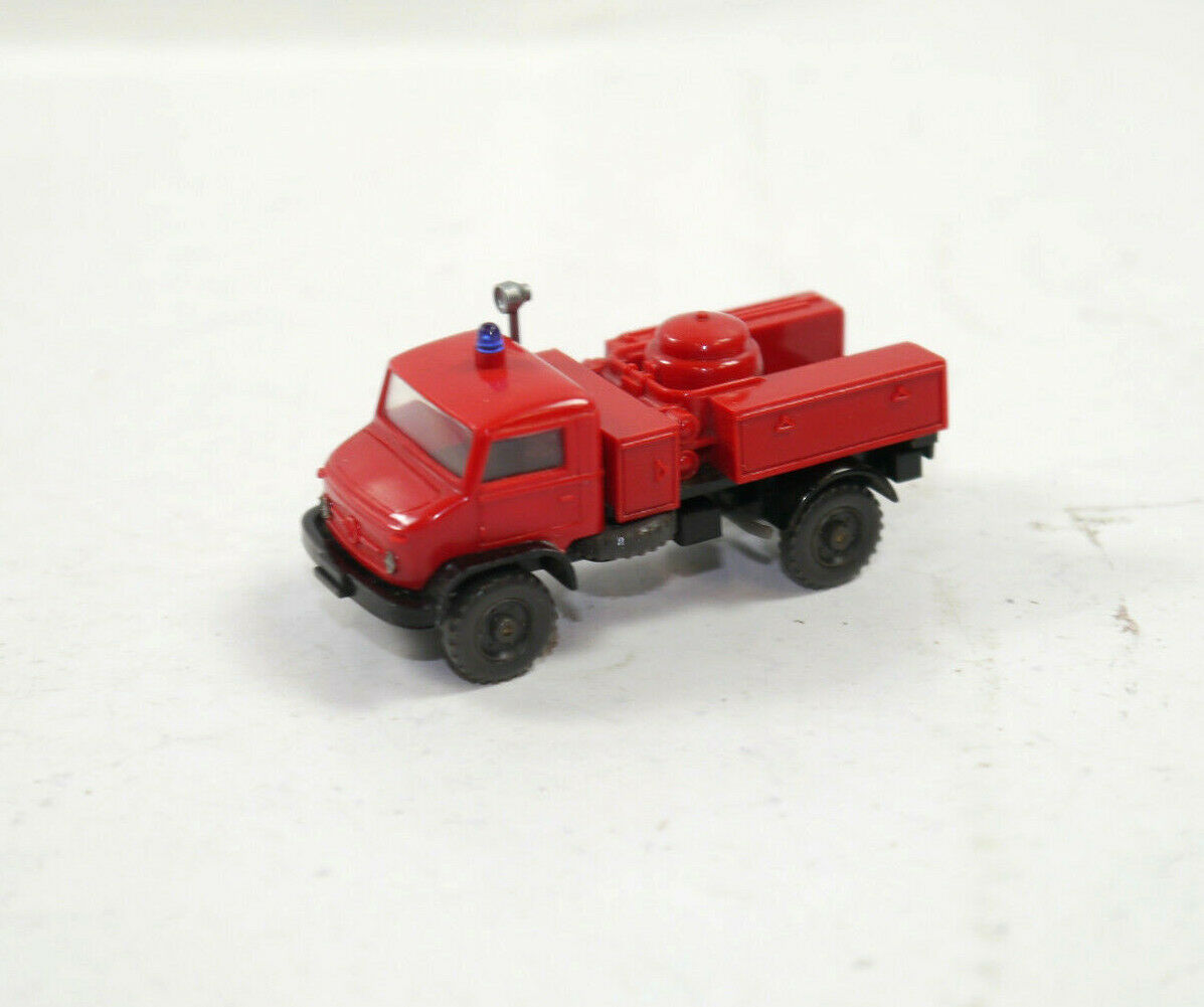 Wiking - Unimog Fire Brigade Powder Fire Brigade Model Car 1 87 (K11)