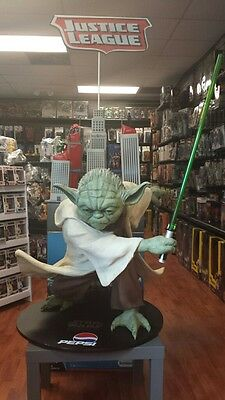 Star Wars Life-Size Yoda Statue Prop Pepsi Display Episode 3 Revenge of the Sith