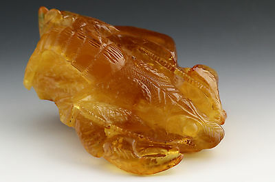 VINTAGE Hand Carved CRAB CRAYFISH BALTIC AMBER Statuette Figurine 65.2g s150908