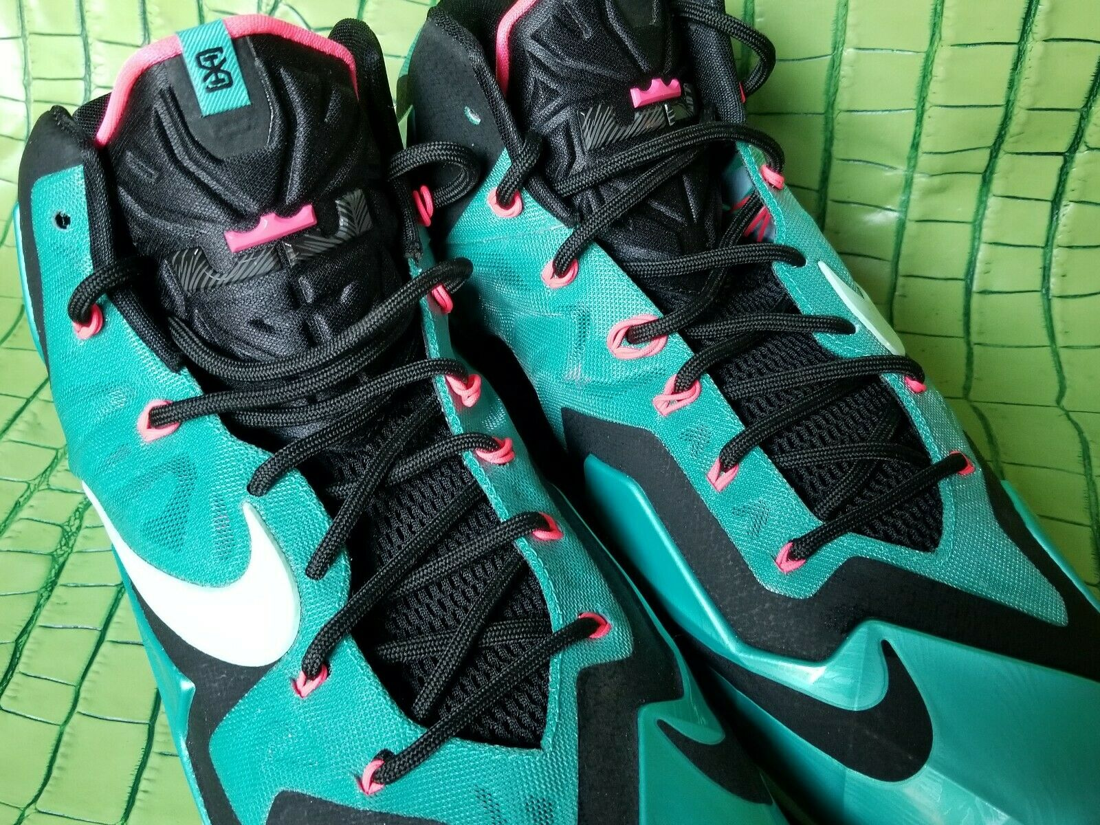 NIKE LEBRON XI 11 SOUTH BEACH BASKETBALL SHOES TURQUOISE PINK SZ 13 [616175-330]