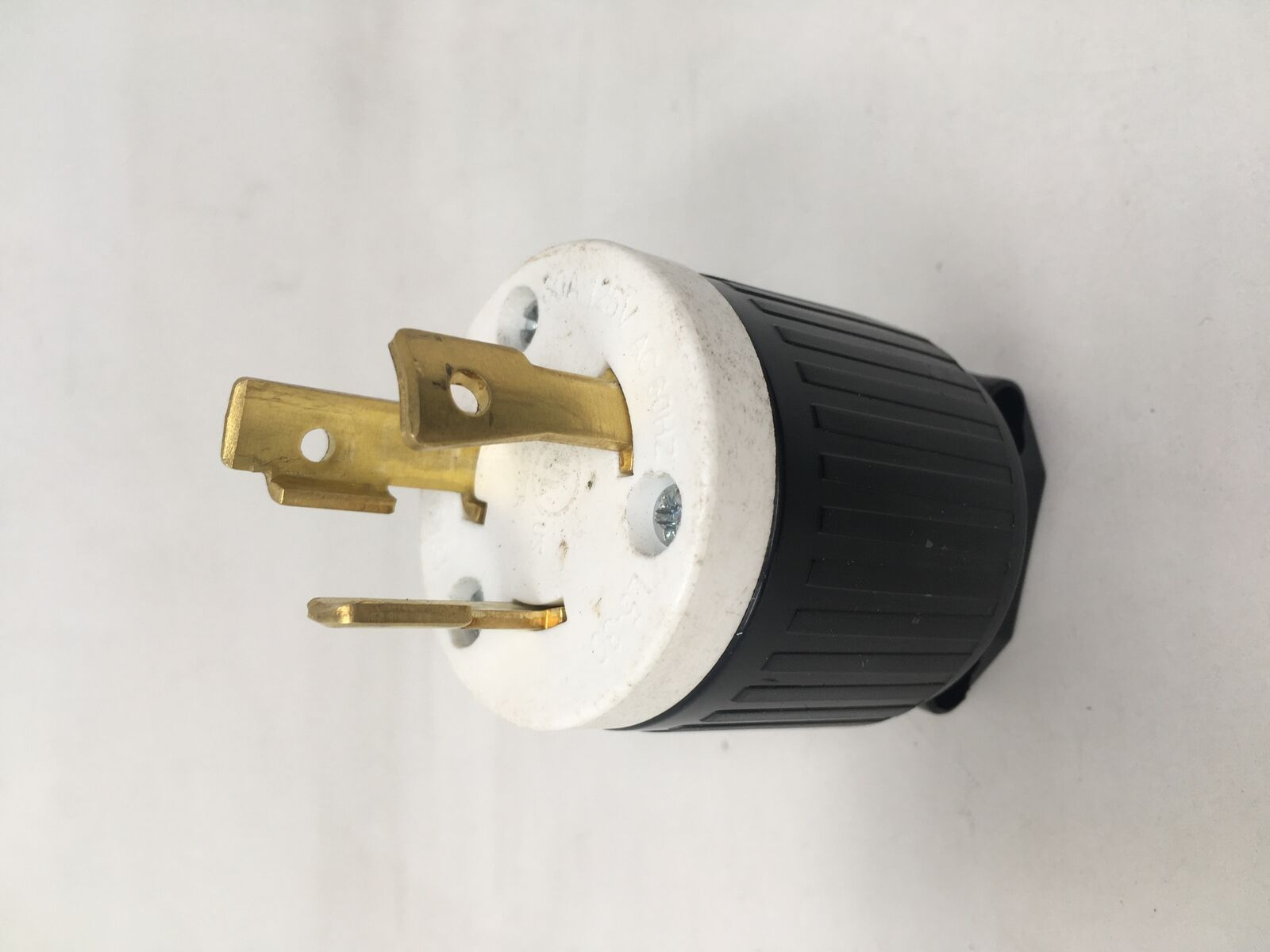 Agt Yga024 Superior Electric Twist Lock Electrical Plug 3 Wire 30 Extension Cord Replacement Plugs 15amp 125v Prong Ebay Norton Secured Powered By Verisign