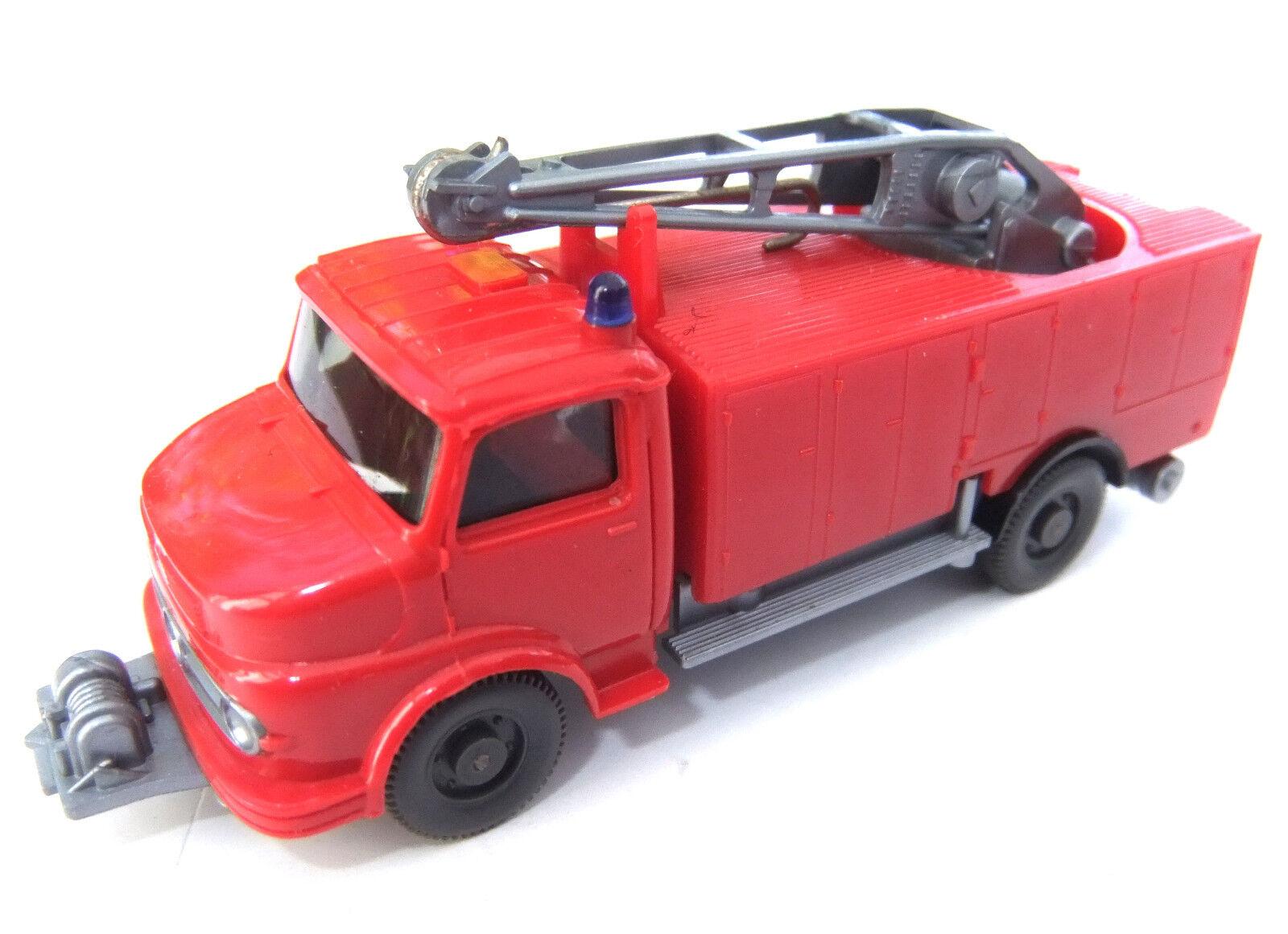 Wiking rüstwagen con grúa MB 1413 ho 1 87 ácidas 1067 1 con haltehasen