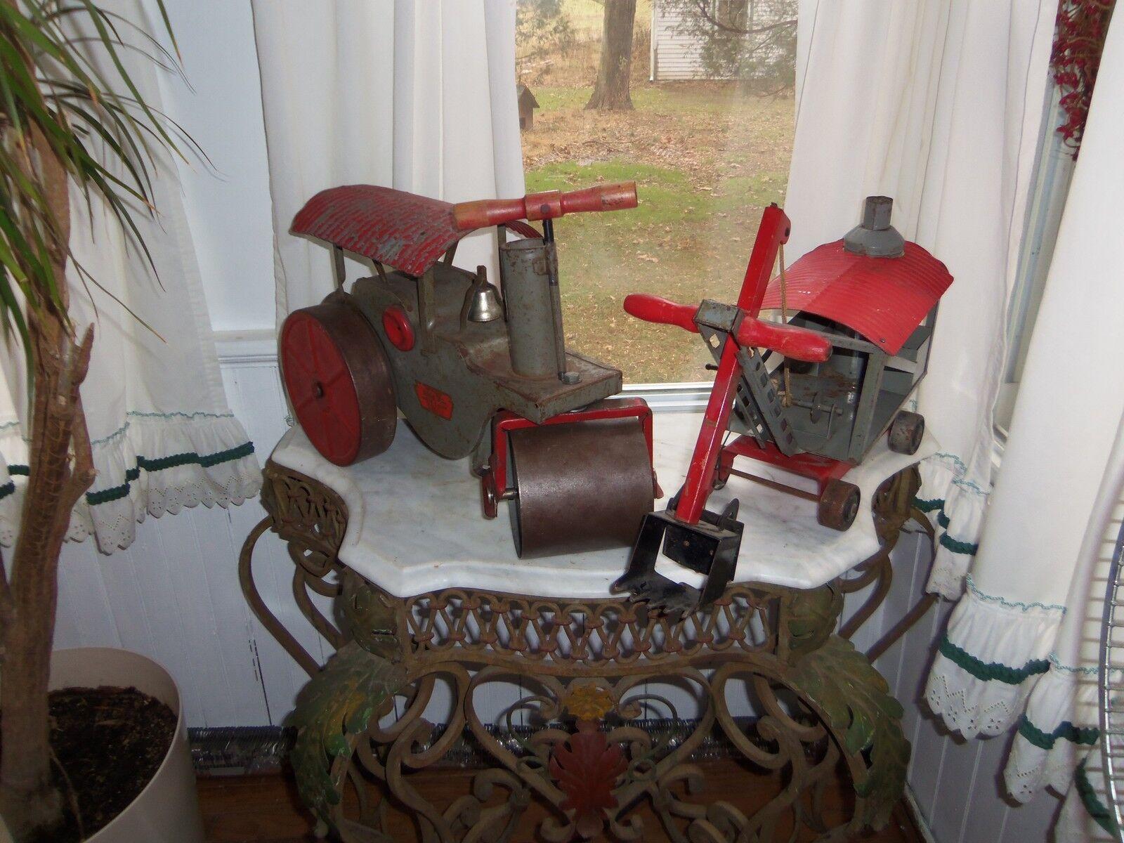 Deux pc. C. années 1920 Keystone Ride Em Steam Roller et Ride Em vapeur Pelle