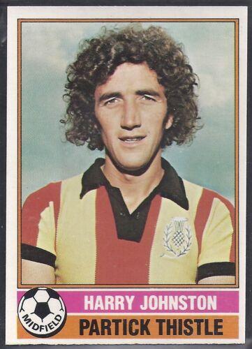 TOPPS-FOOTBALL SCOTTISH YELLOW BACK 1977 -#084- PARTICK THISTLE JOHNSTON