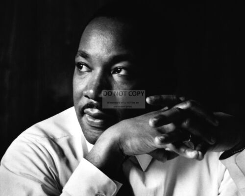 MARTIN LUTHER KING DR 8X10 PUBLICITY PHOTO CIVIL RIGHTS LEADER JR WW086