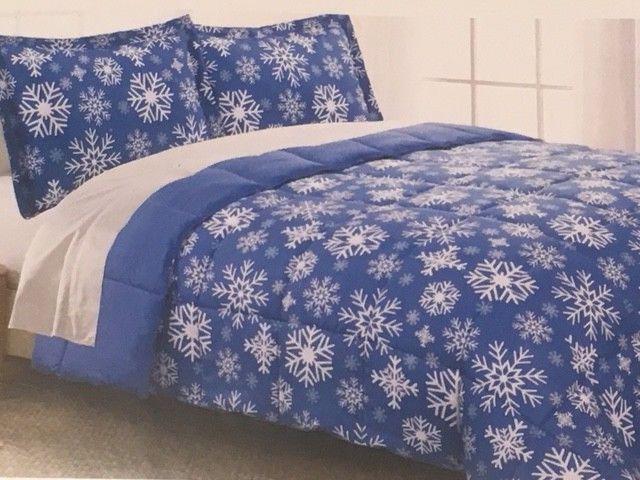 Living Quarters Twin XL Down Alternative Comforter - Snowflake