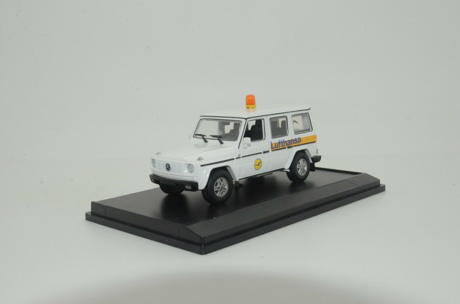 RARE     Mercedes G - Class Lufthansa Custom Made 1 43