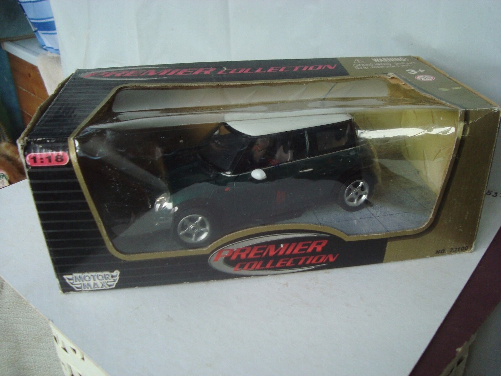 Mini Cooper car green white roof Motor Max premier collection 1 18 boxed