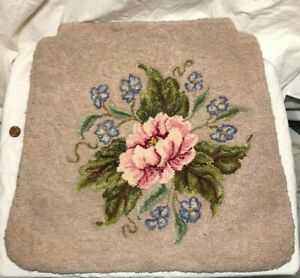 Hooked Rug Rose Bluebells Chair Pad