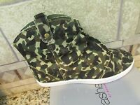 Unleashed Rocket Dog Paige Ankle Boots Camo Sneaker Boots Shoes Womens 6.5