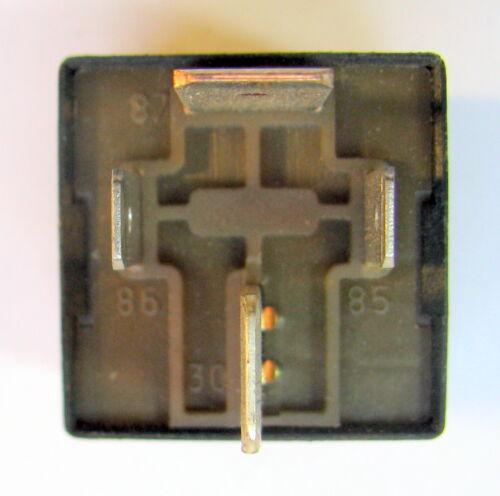 Relais Steuerrelais 46520429 Fiat Barchetta original