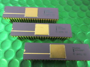 C8208-DRAM-CONTROLLER-8086-Family-Vintage-48-PIN-Gold-IC-Collectable-Rare