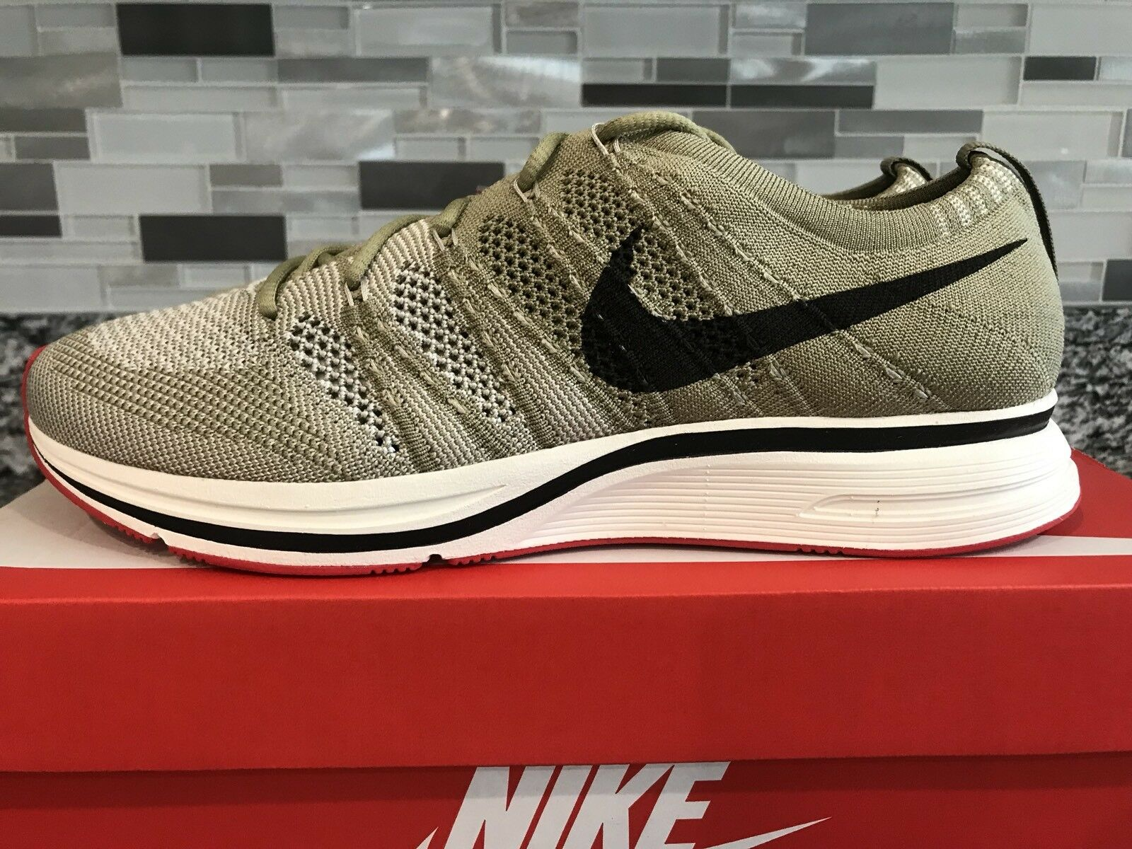Mens Nike Flyknit Trainer AH8396-201 Neutral Olive Brand New Size 9