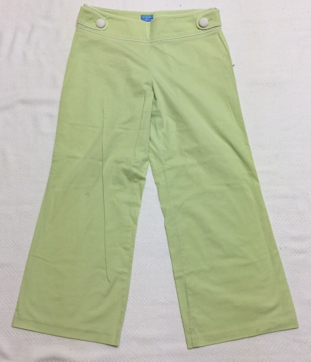 Light Green Capri Length Pants With White Piping And Quilted Buttons Sz 6 EEUC