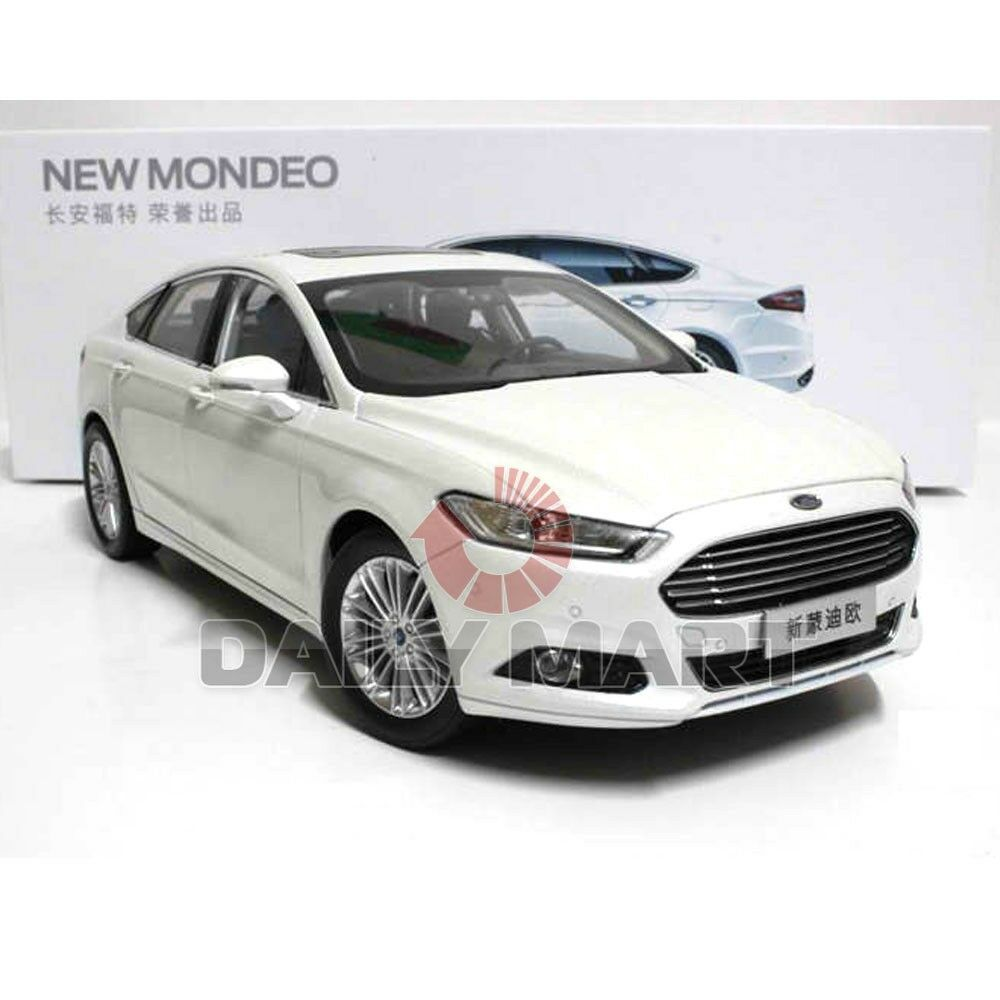 1 18 Scale FORD FUSION   MONDEO (WHITE) DieCast Toy Car Model