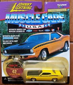 Johnny-Lightning-Die-cast-1-64-1970-PLYMOUTH-BARRACUDA-Yellow-CUDA-Cragar-Mags