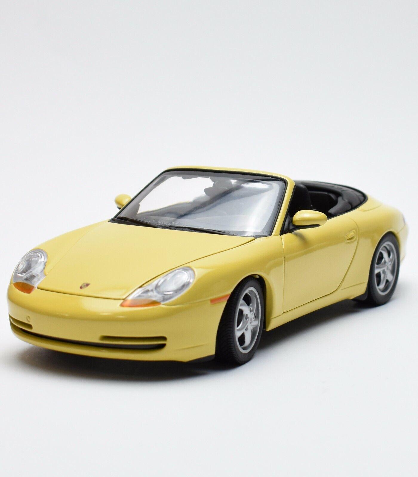 UT 27906 voiture de sport PORSCHE 911 996 Cabriolet en jaune laqué, 1 18, NEUF dans sa boîte, k006