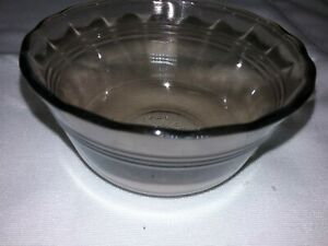 Set-of-3-PYREX-Ramekins-463-Amber-Glass-Scalloped-Edge-6-oz-Vintage-Custard-Cup