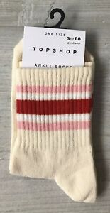 Ladies//Girls Cream With Small Yellow Chicks Cotton Ankle Socks