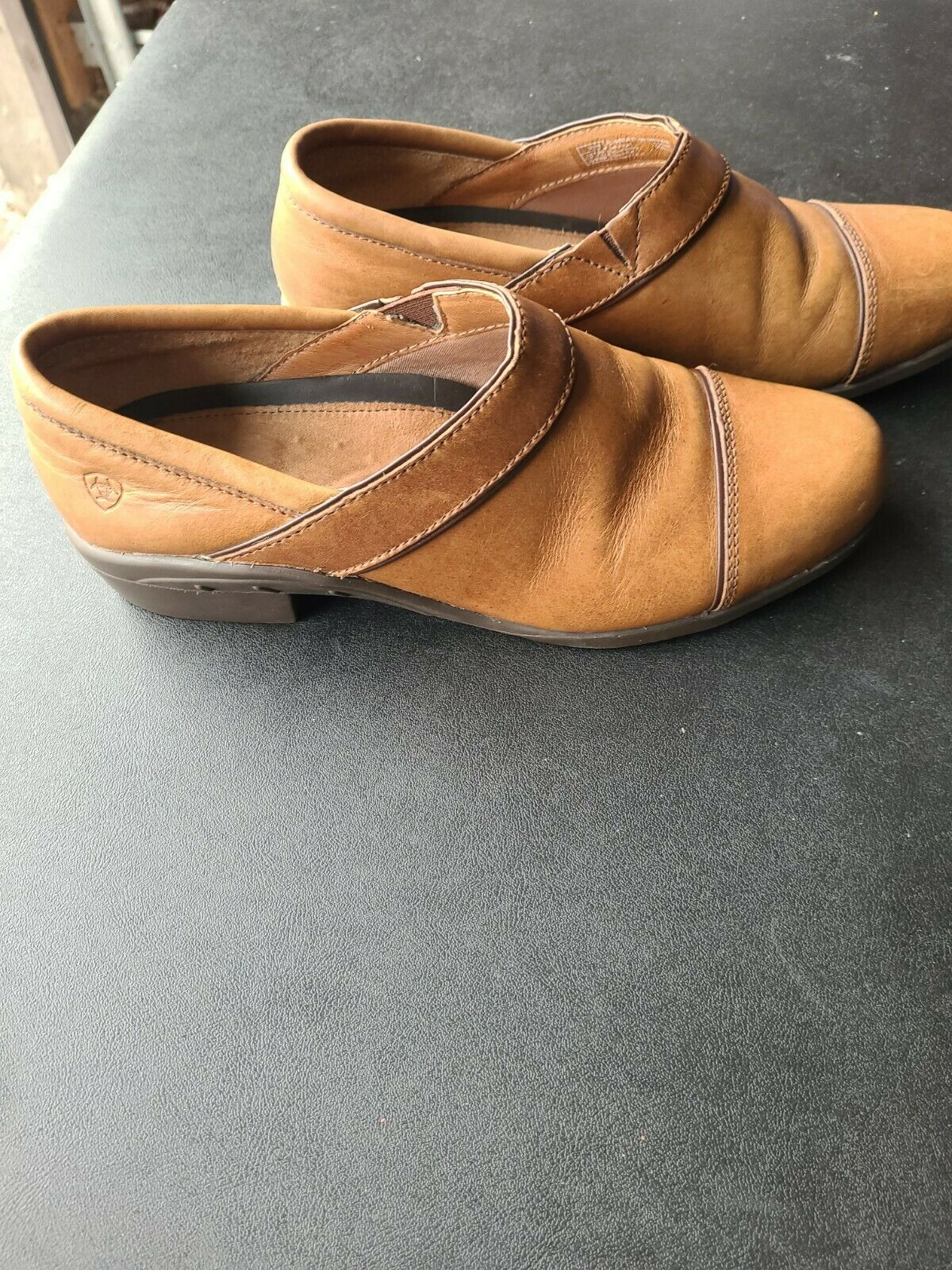 Womans Ariat Leather Tan Clogs Size 9b 65213