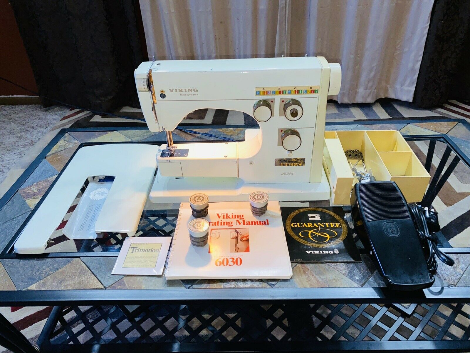 s l1600 - Husqvarna Viking Sweden Model 6030 Sewing Machine with EXTRAS